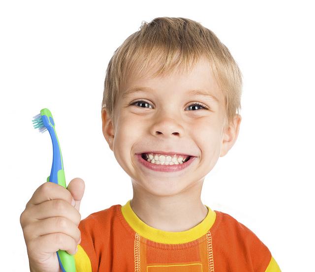 仕上げ歯磨きを嫌がる子供にママの最強テクニック