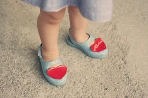 夏の子供の靴orサンダルはこれがおすすめ 安全かつ涼しく