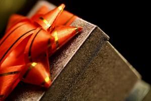 初任給で両親にプレゼント ありきたりでなく普段お金をかけないもの 具体例と予算