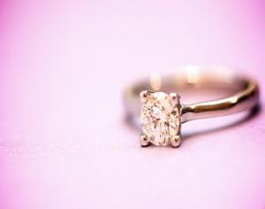 婚約指輪いる いらない 相場や常識にとらわれない結婚の意味