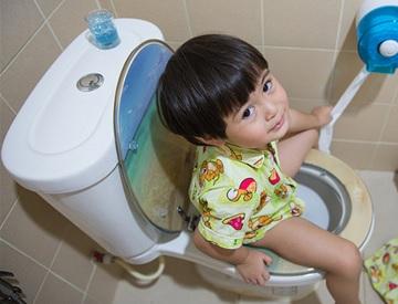 子供の便秘に効果的な対処法 ストレスの排除と水分補給