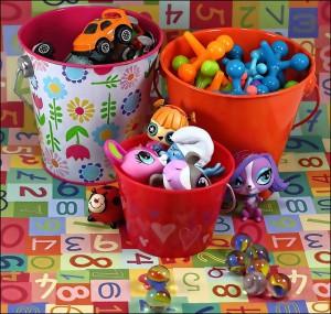 おもちゃにすぐ飽きる子供  日用品で飽きない遊ばせ方 上手な買い方