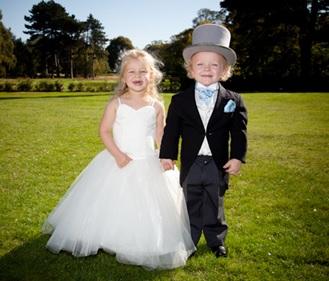 結婚式子供の服装 レンタルと購入 メリットデメリット 普段も使えるデザイン 靴の選び方