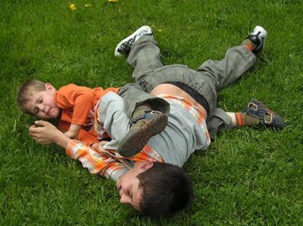 1歳~6歳 子供の喧嘩 傷つけた傷つけられた 親はどんな言葉をかけるべきか 対処法と考え方