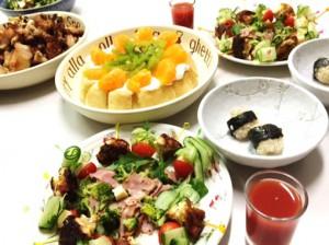 12月24日クリスマスディナー1,500円以内 カラフルサラダ 豆腐団子 唐揚げ ヨーグルトケーキ