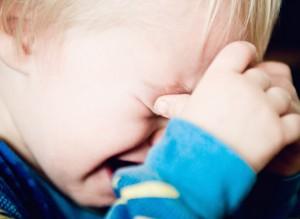 子供が夜中に嘔吐を繰り返す 原因と対処法 水分補給のコツ 翌日の食事内容 正しい言葉がけ