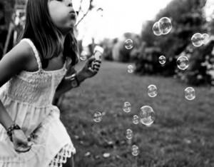 友達と遊ばない協調性がない娘が友達大好きになった理由とは 親ができることとは?